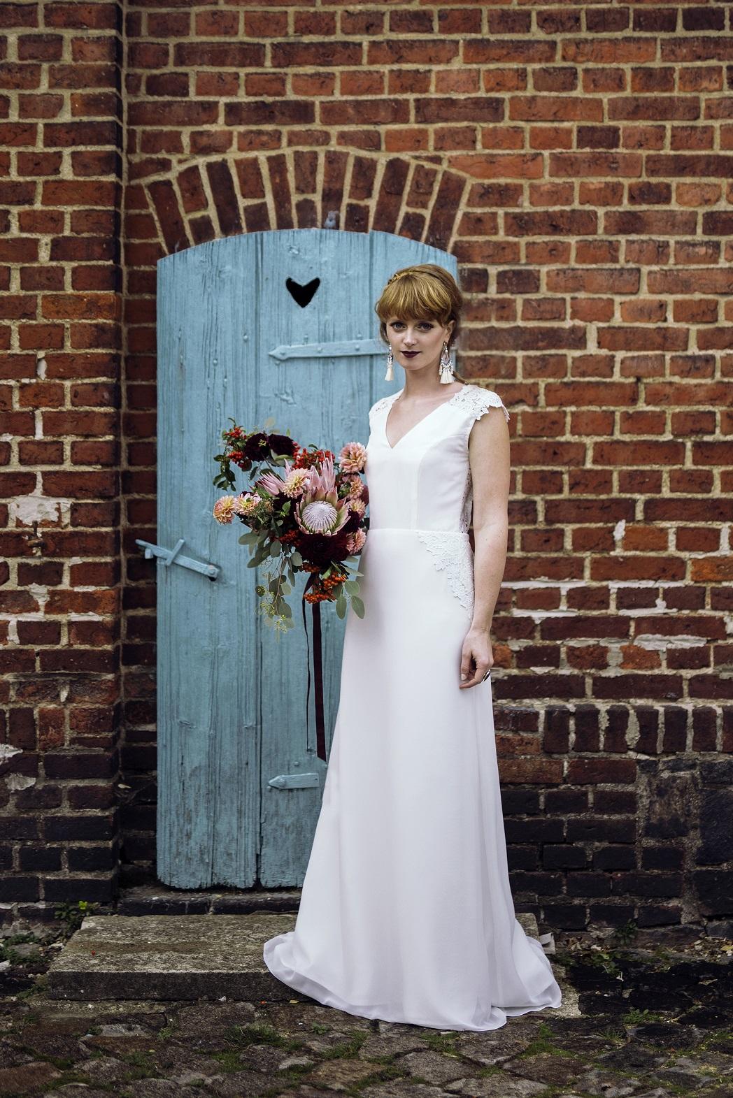 herz(h)allerliebst - Bridal Couture: -Schleifenfänger- Brautmoden ...